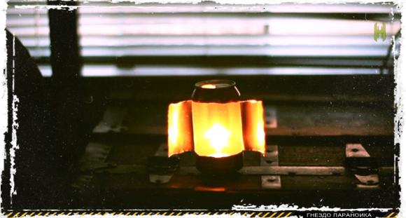 Светильник из свечи и алюминиевой банки