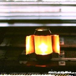 Светильник из свечки и алюминиевой банки