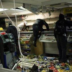 Мародерство и беспорядки в городе во время БП