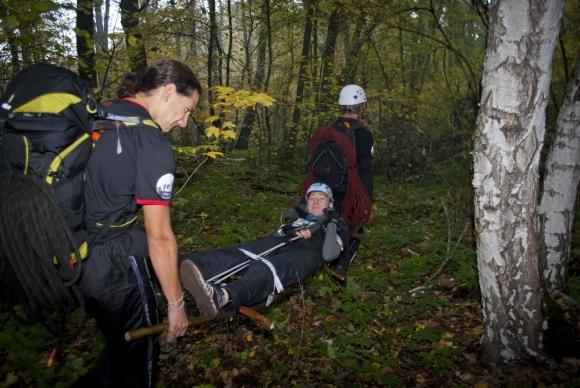 Поиск и эвакуация раненых в лесу