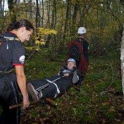 Поиск отставших и эвакуация раненых