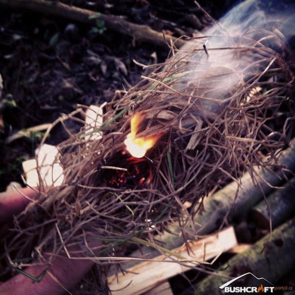 Огненный поршень для добычи огня