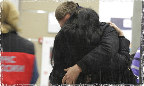 родственники погибших в аэропорту Пулково