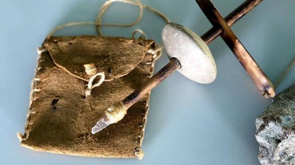 Древняя ручная дрель
